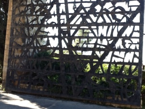 yad vashem gate